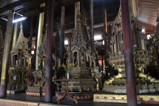 2019-11-myanmar-lago-inle-tour-barca-47-monasterio-ngaphe-kyaung