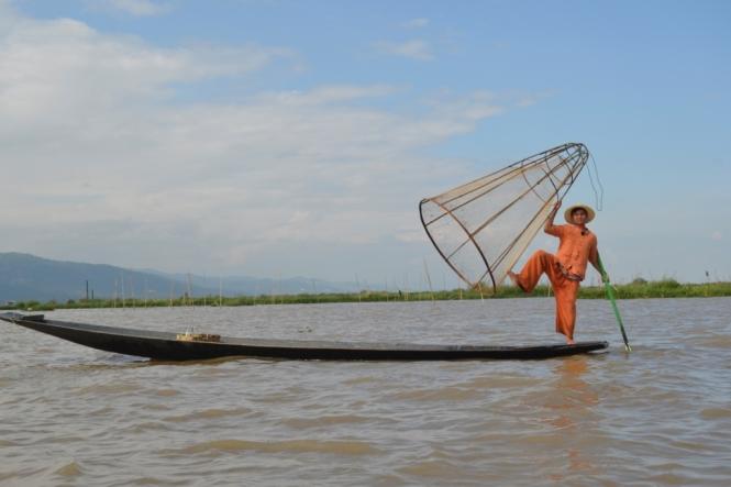 2019-11-myanmar-lago-inle-tour-barca-54