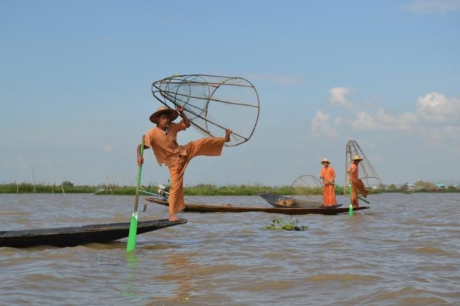 2019-11-myanmar-lago-inle-tour-barca-55