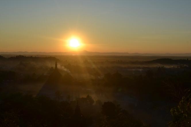 2019-11-myanmar-Mrauk-U-discovery-view-point-puesta-de-sol-1