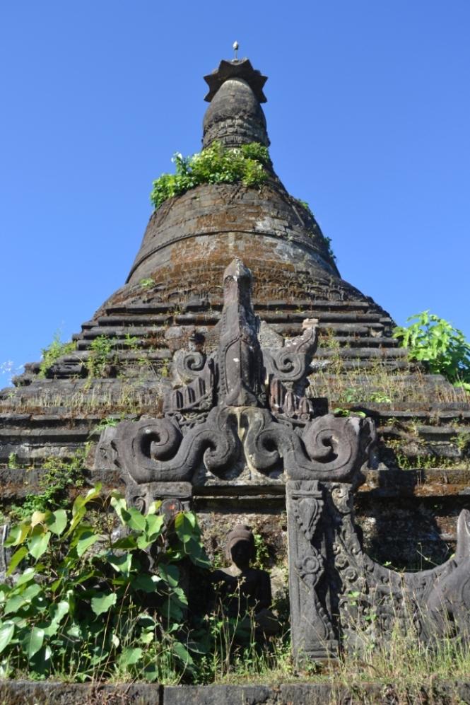 2019-11-myanmar-Mrauk-U-mong-khong-shwedu-1