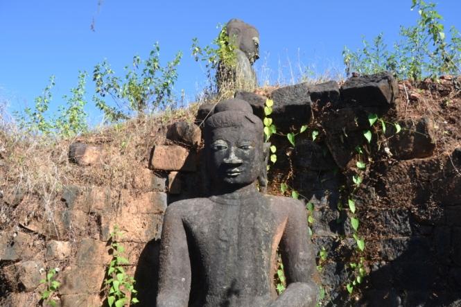 2019-11-myanmar-Mrauk-U-pisi-taung-1