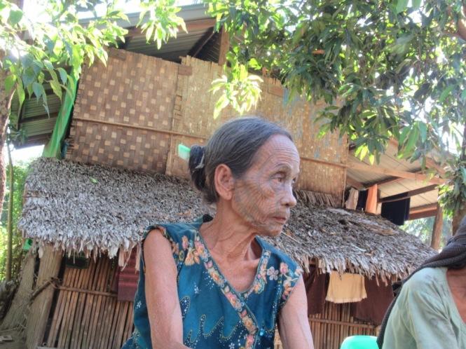 2019-11-myanmar-Mrauk-U-poblados-chin-shaw-me-2