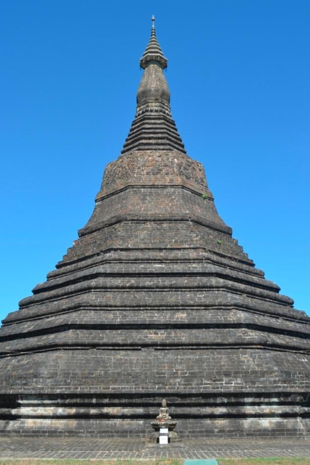 2019-11-myanmar-Mrauk-U-ratana-manaung-1