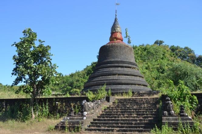 2019-11-myanmar-Mrauk-U-ratana-san-rwe-1