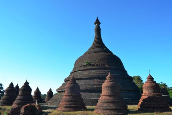 2019-11-myanmar-Mrauk-U-ratanabon-pagoda-5
