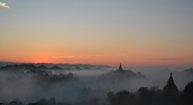 2019-11-myanmar-Mrauk-U-shin-mrawa-amanecer-2