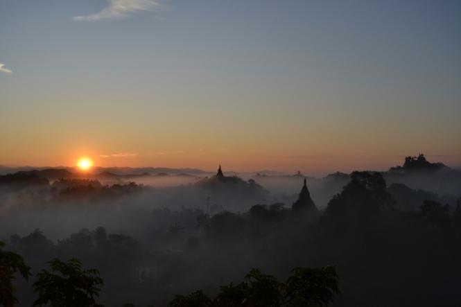 2019-11-myanmar-Mrauk-U-shin-mrawa-amanecer-5