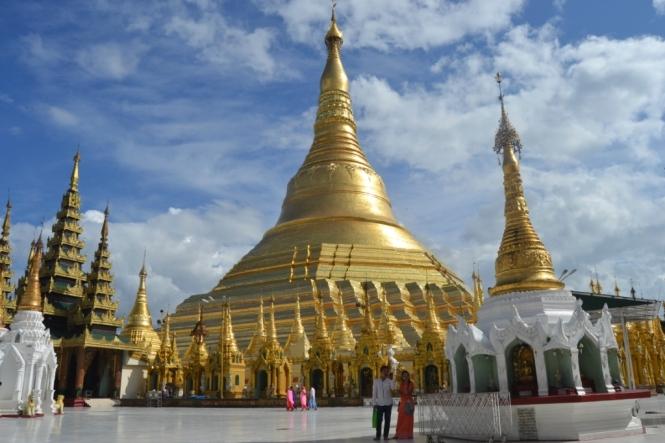 2019-11-myanmar-yangon-shwedagon-pagoda-03