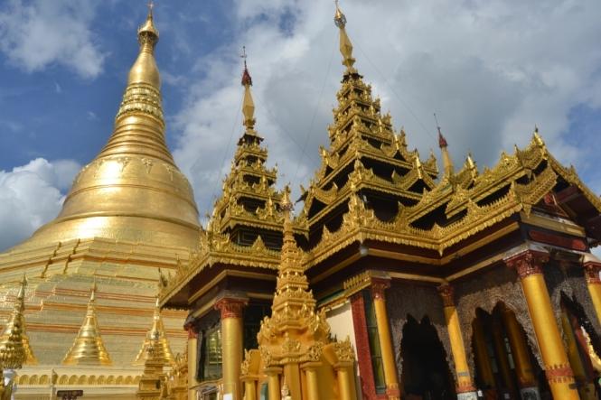 2019-11-myanmar-yangon-shwedagon-pagoda-04