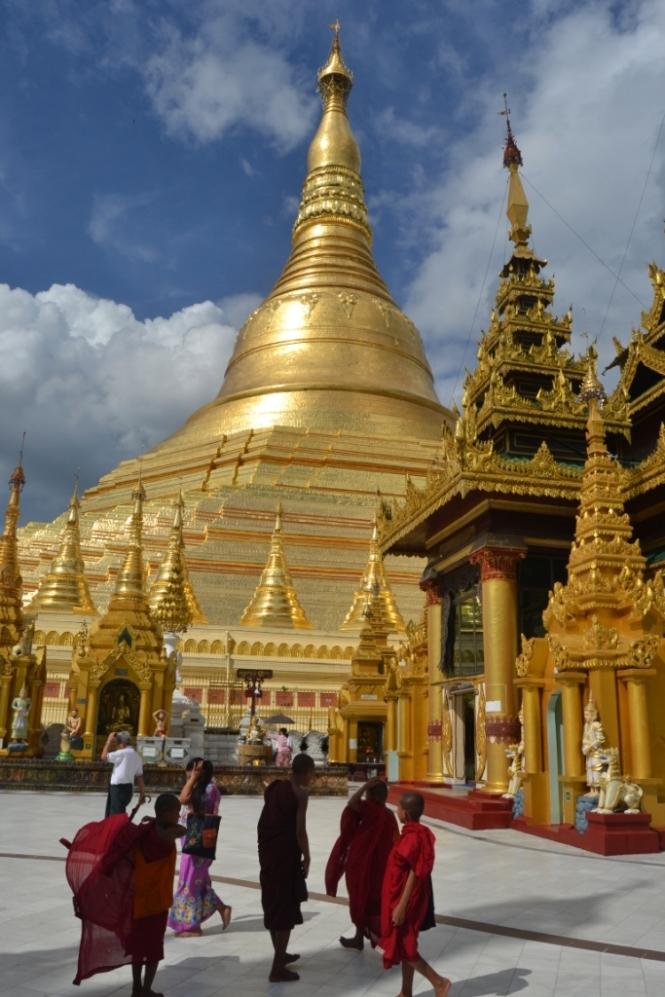 2019-11-myanmar-yangon-shwedagon-pagoda-07