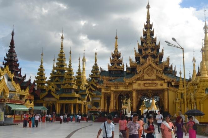 2019-11-myanmar-yangon-shwedagon-pagoda-10