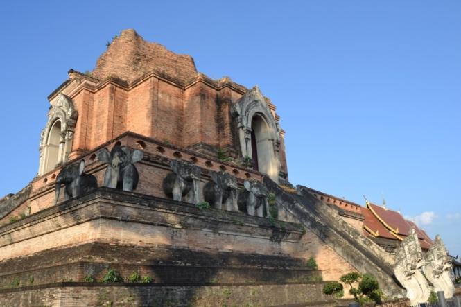2019-11-tailandia-chiang-mai-wat-chedi-luang-3