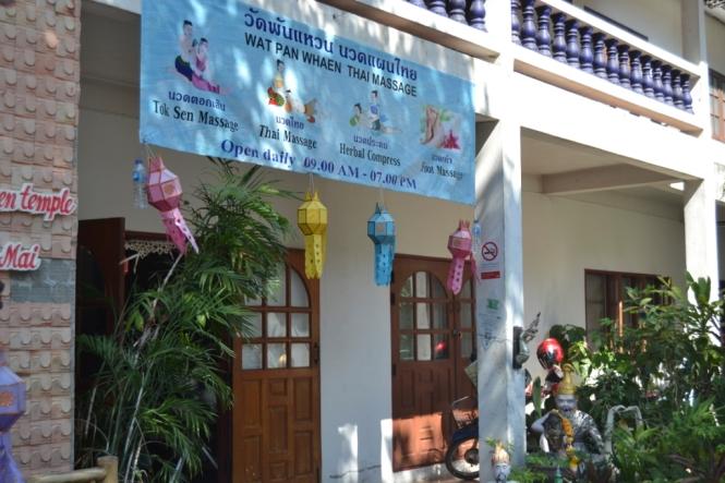 2019-11-tailandia-chiang-mai-wat-pan-whaen-1