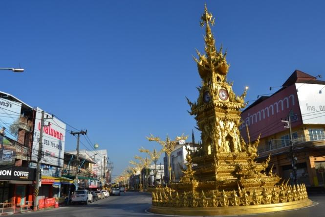 2019-11-tailandia-chiang-rai-calle-torre-reloj-1
