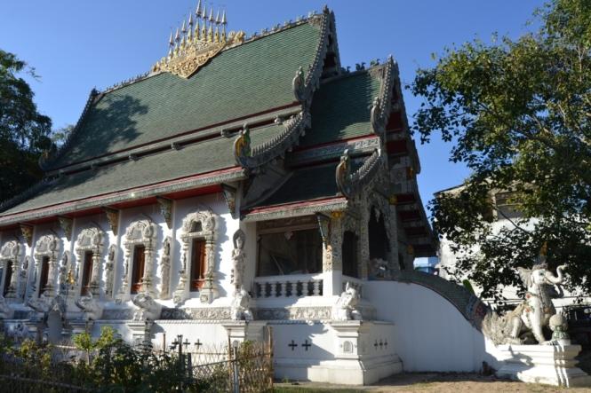 2019-11-tailandia-chiang-rai-wat-ming-mueang-3