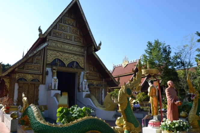 2019-11-tailandia-chiang-rai-wat-phra-singh-1