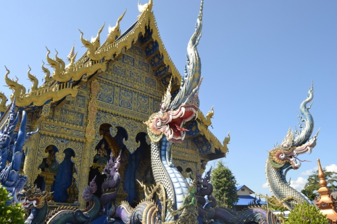 2019-11-tailandia-chiang-rai-wat-rong-suea-ten-2