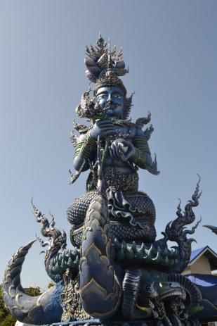 2019-11-tailandia-chiang-rai-wat-rong-suea-ten-3