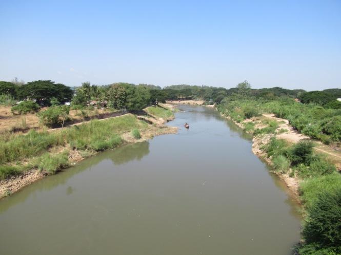 2019-11-tailandia-mae-sot-puente