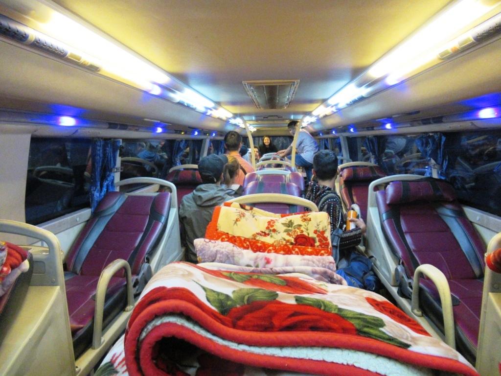2019-12-laos-luang-phonsavan-bus-cama-2