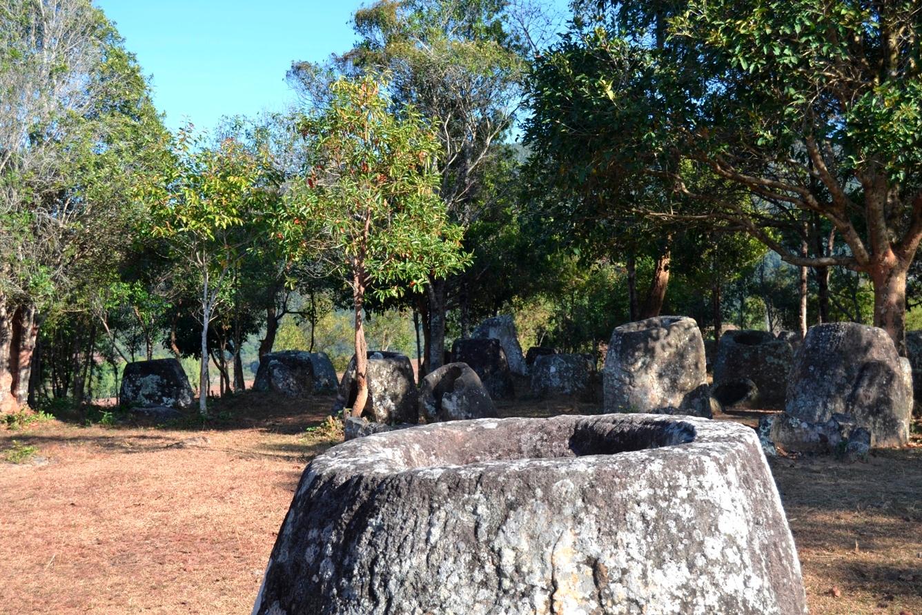 2019-12-laos-luang-phonsavan-xieng-khouang-plain-of-jars-sitio-2-01