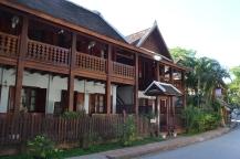 2019-12-laos-luang-prabang-edificios-coloniales-2