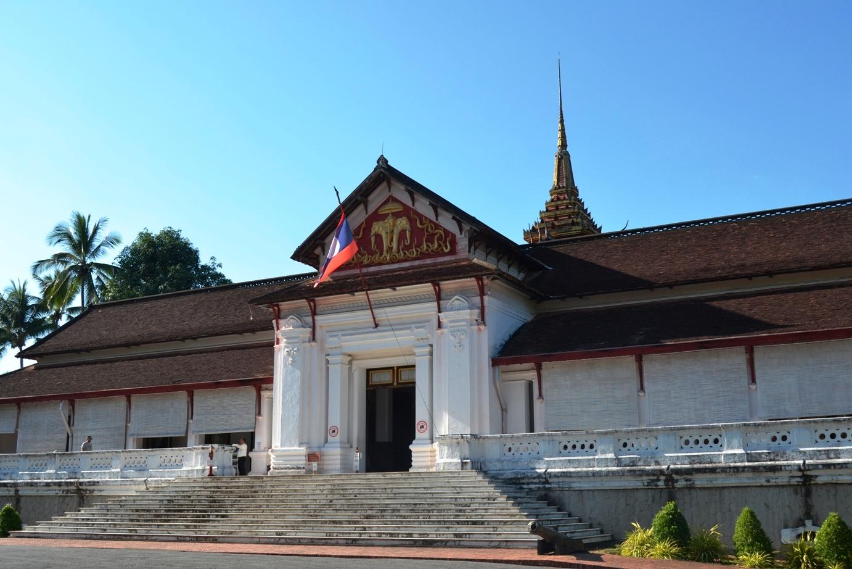 2019-12-laos-luang-prabang-palacio-real-1