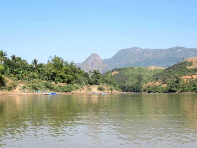 2019-12-laos-nong-khiaw-ruta-rio-nam-ou-16-kayak