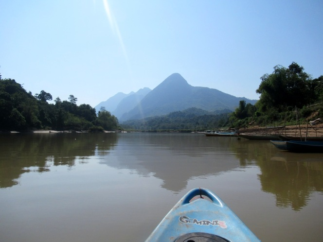 2019-12-laos-nong-khiaw-ruta-rio-nam-ou-17-kayak