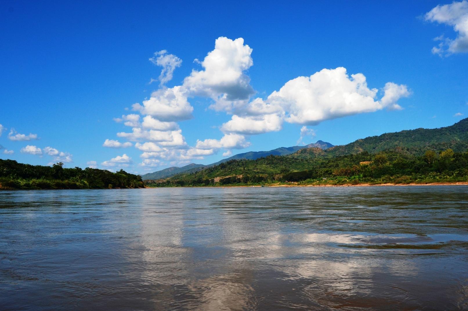 2019-12-laos-por-mekong-a-pakbeng-5