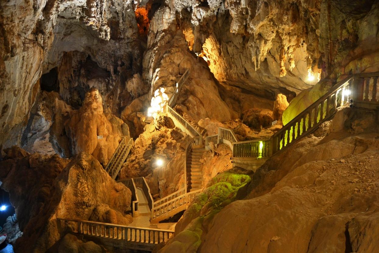 2019-12-laos-thakhek-loop-dia-1-05-cueva-tham-nang-aen