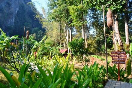 2019-12-laos-thakhek-loop-dia-3-02-spring-river-resort