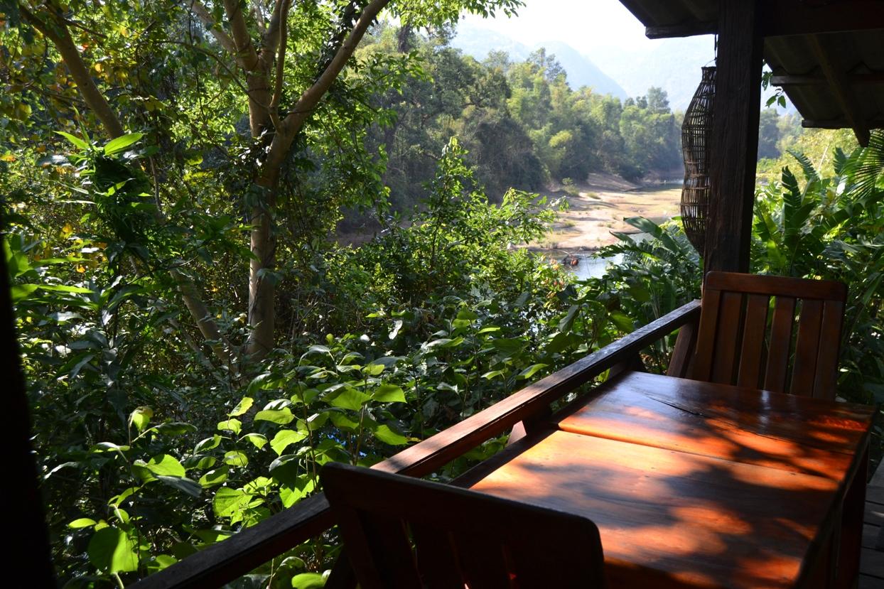 2019-12-laos-thakhek-loop-dia-3-03-spring-river-resort