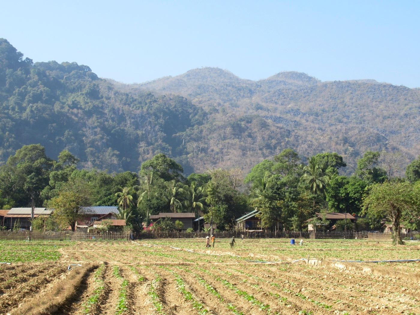 2019-12-laos-thakhek-loop-dia-4-03-carretera