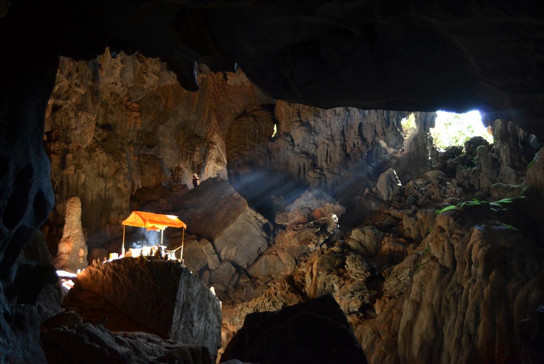 2019-12-laos-vang-vieng-cueva-phu-kham-5