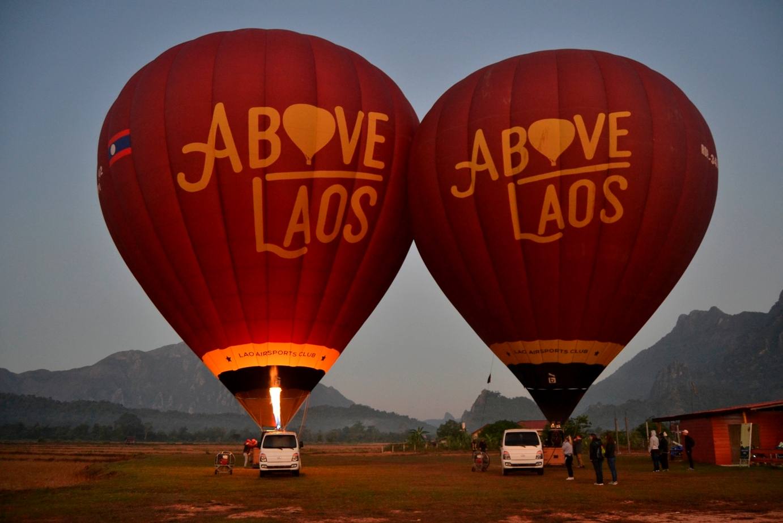 2019-12-laos-vang-vieng-globo-above-laos-03
