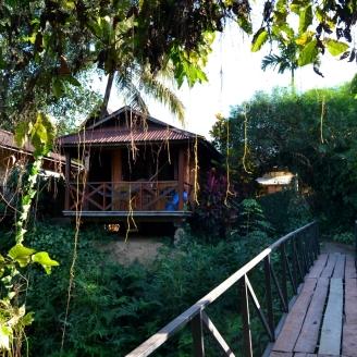 2019-12-laos-vang-vieng-maylyn-guesthouse-02